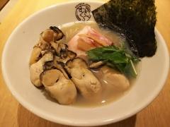 むぎくらべ【参】 ~寿製麺 よしかわ 「牡蠣そば」+「牡蠣3個増し」×2~-5