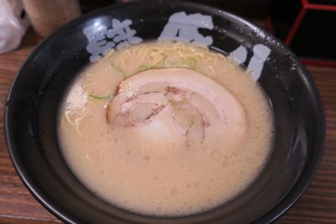 豚八(長浜ラーメン)