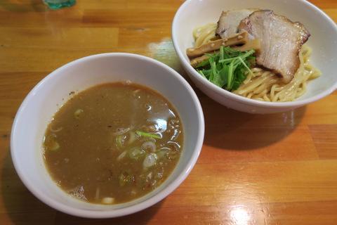 烏城(つけ麺)