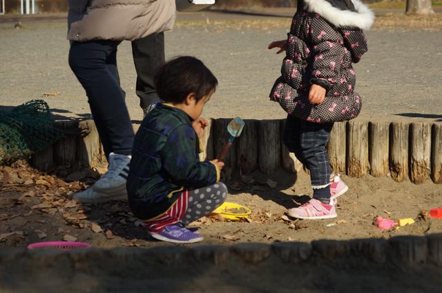 子供砂場にて