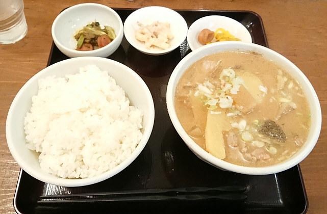 吉田とん汁店「豚汁定食」