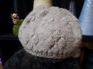 つぼみ編みの帽子を短く