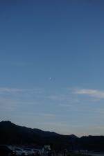 夕暮れの月1