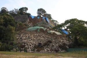 石垣崩落1