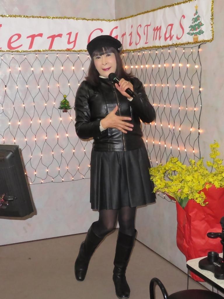 黒革ジャン黒フレアスカカラオケ(2)