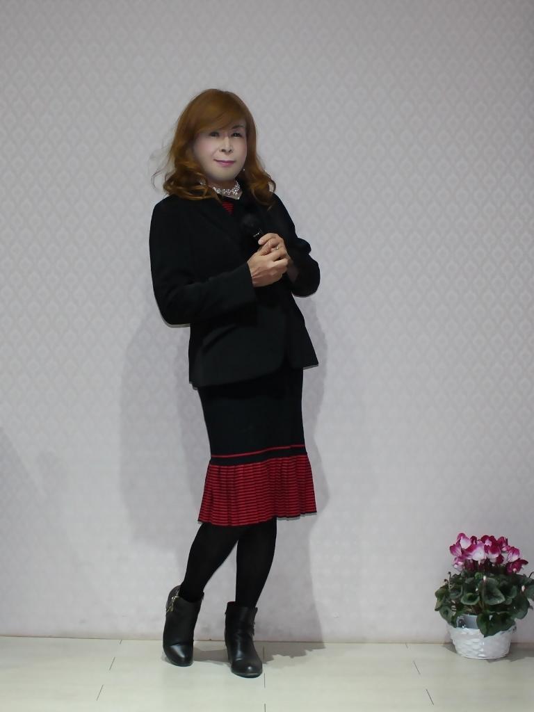 赤黒ニットワンピカラオケ(1)