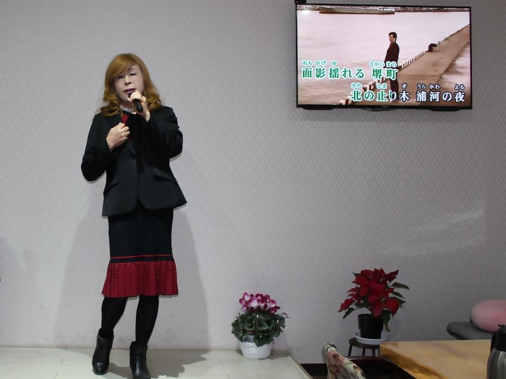 赤黒ニットワンピカラオケ(3)