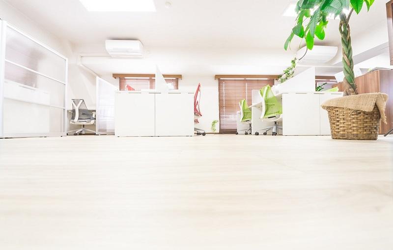 オフィスのフローリング
