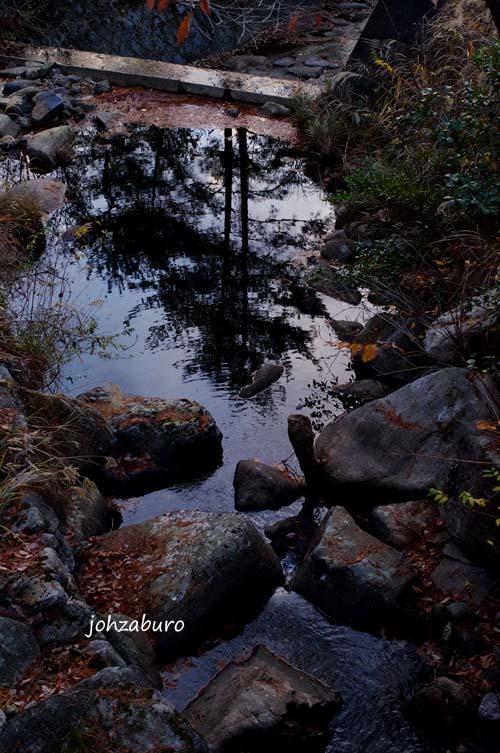 剣尾山からの清流