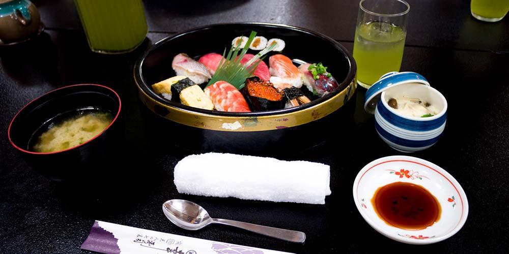 幸寿司のにぎり寿司セット