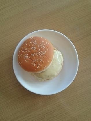 チキンハンバーグチーズ1