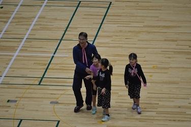 △◎◎9共済会体育祭写真(○×クイズ 笑顔)【H30.11.11】80-25-25