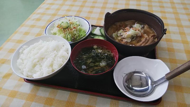 レストハウスまきばもつ煮定食2018