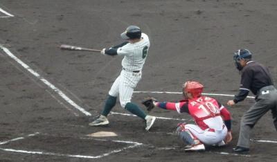 PC2351582回表2死満塁から宮田工業、9番の投強襲打で2点先制
