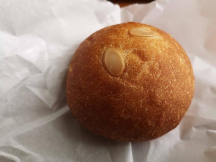 トキワのクリームパン