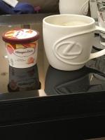 アイスコーヒーとハーゲンダッツマンゴー味181016