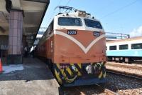 E228電気機関車181026