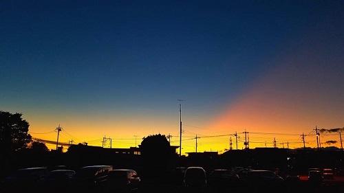 秋の夕暮れ…