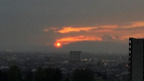 高岡市の夕暮れ…