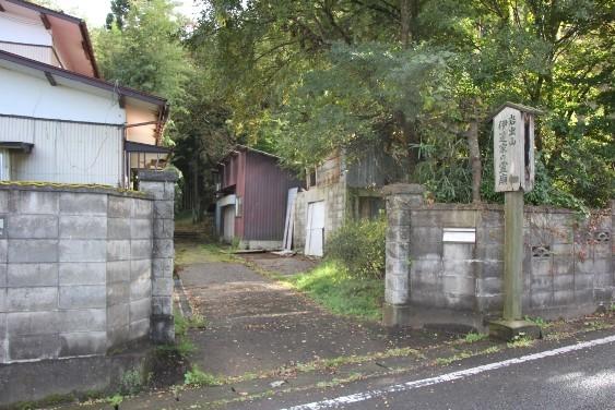 伊達家霊廟入口