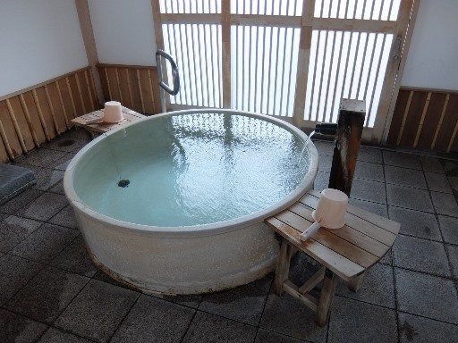 信楽焼陶器露天風呂