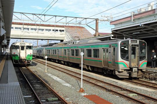 キハ40とE721系@会津若松駅