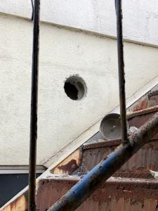 190112_03壁に穴