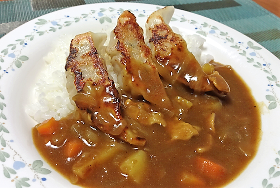 gyouza-kareiみよしの餃子カレー