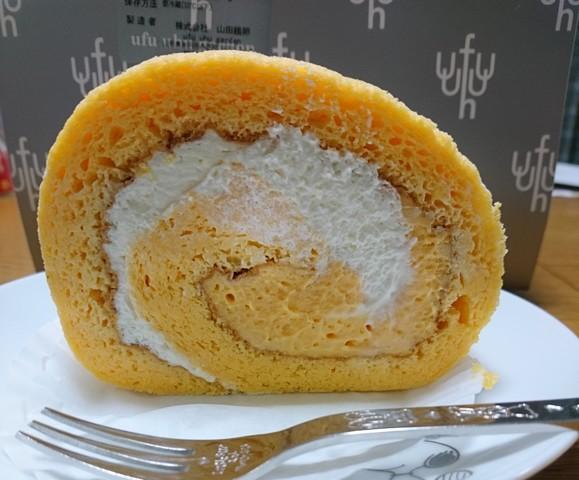 sウフウフガーデンのロールケーキ