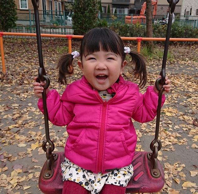 公園でブランコ♪4.JPG