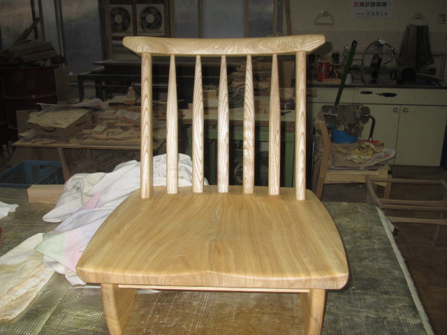座椅子 001