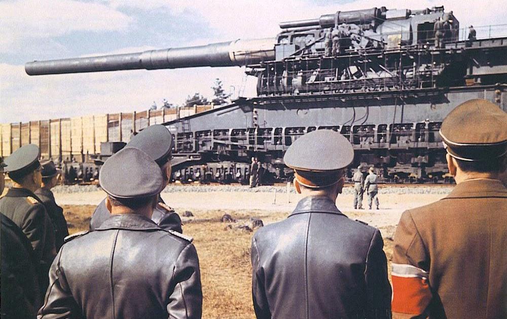 Hitler-gustav-railway-gun.jpg