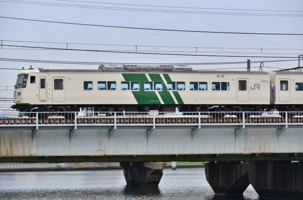 2018年5月27日 JR東日本東海道貨物線 新鶴見(信)~鶴見 185系B3編成