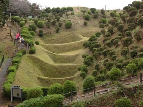 西ノ丸南辺の畝堀