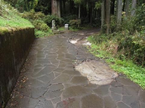 旧東海道 雲助徳利の墓