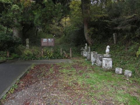芦川の石仏群