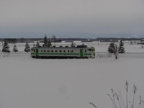 雪原を疾走するキハ40形気動車(石狩金沢~北海道医療大学)
