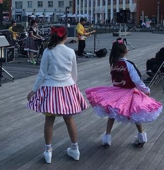 女の子ダンサー