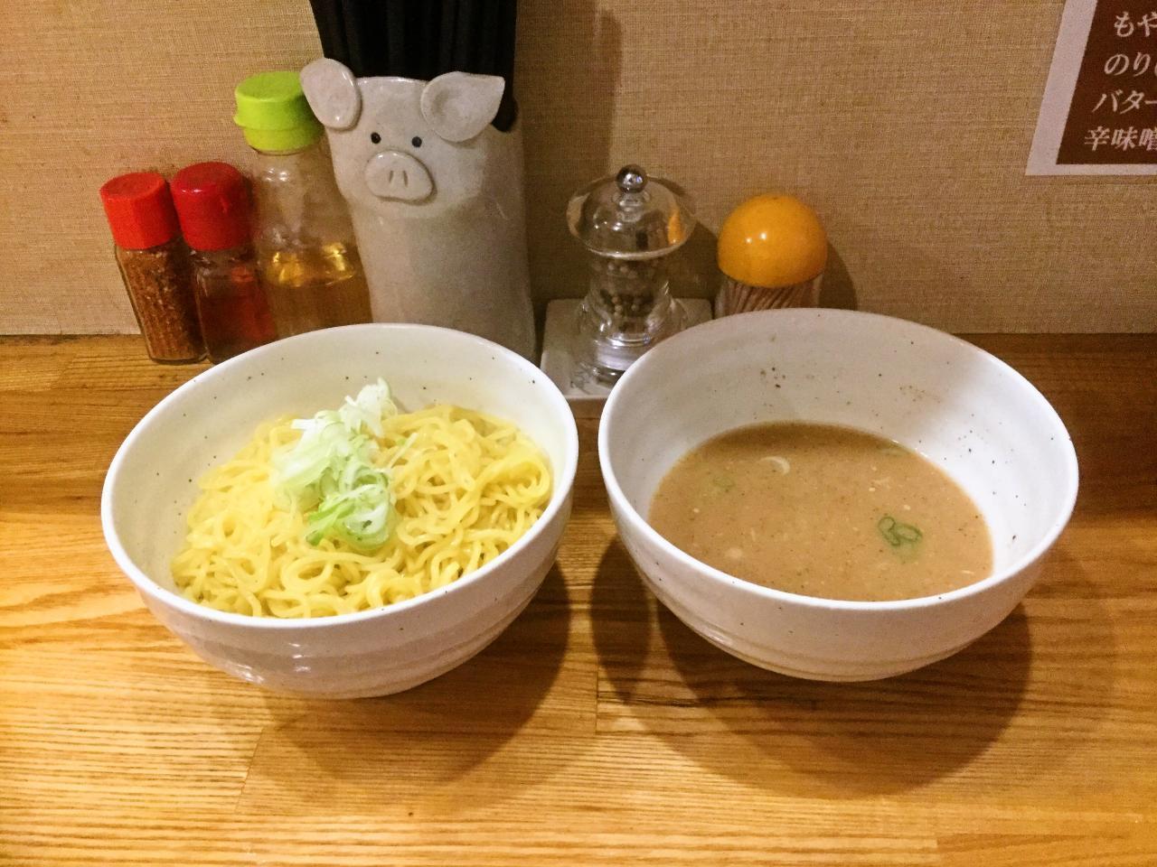 つけ麺 豚野郎(デカ盛りつけ麺)