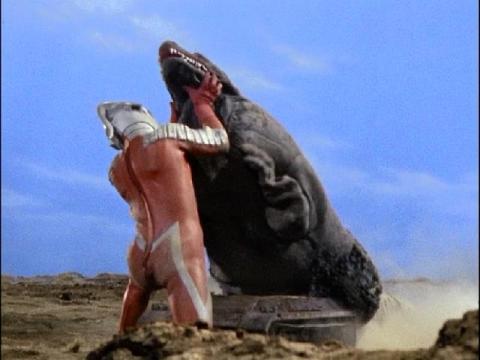 ウルトラセブン vs 恐竜戦車