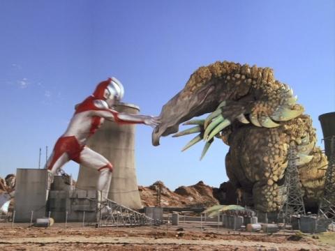 ウルトラマンパワード vs ガボラ(パワード)