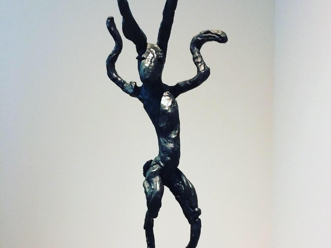 日動うさぎ彫刻