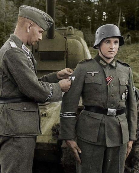 Panzervernichtungsabzeichen_Szene vergeben