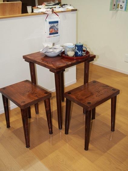 PC280023 コーヒーテーブル2