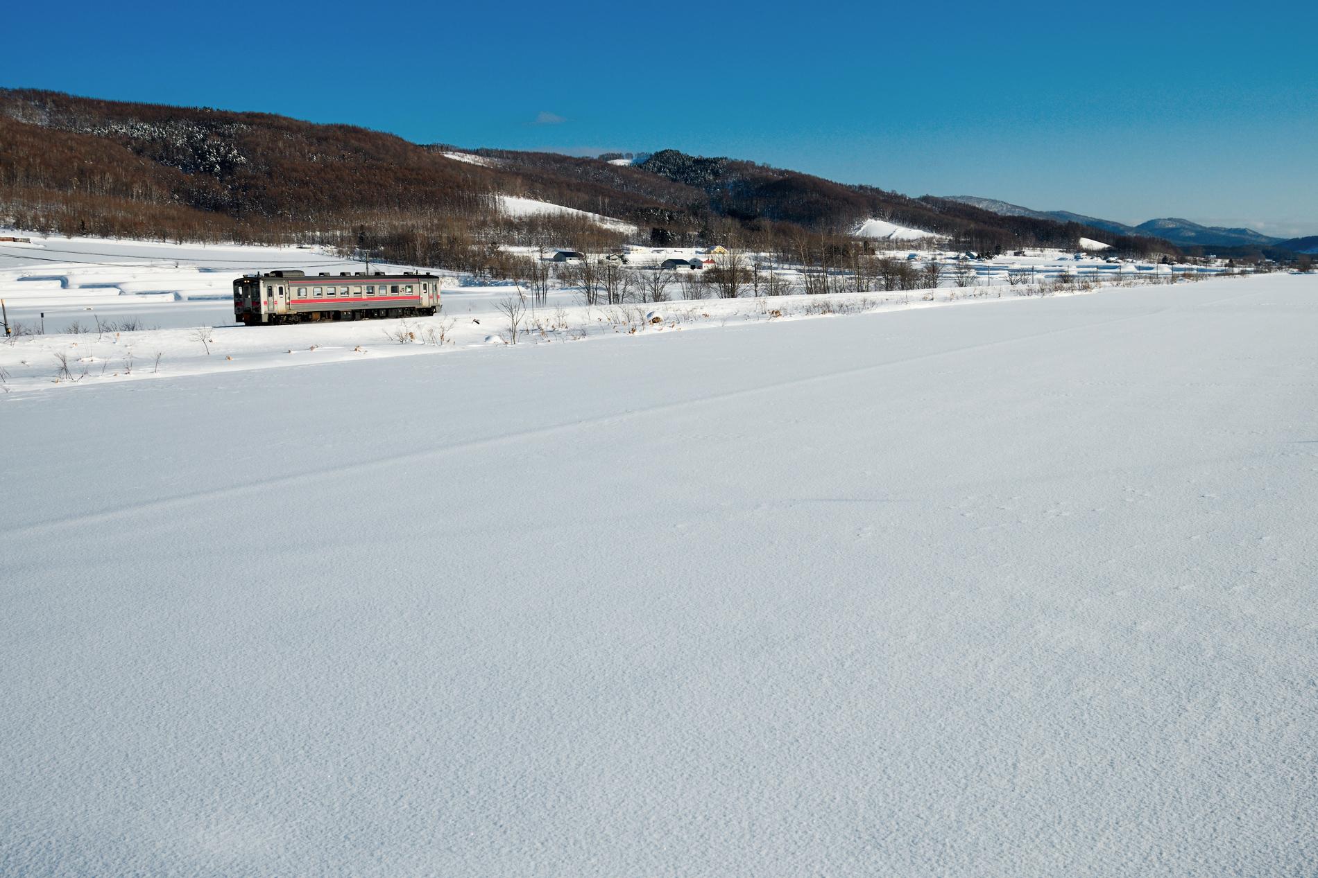 雪晴れの宗谷本線