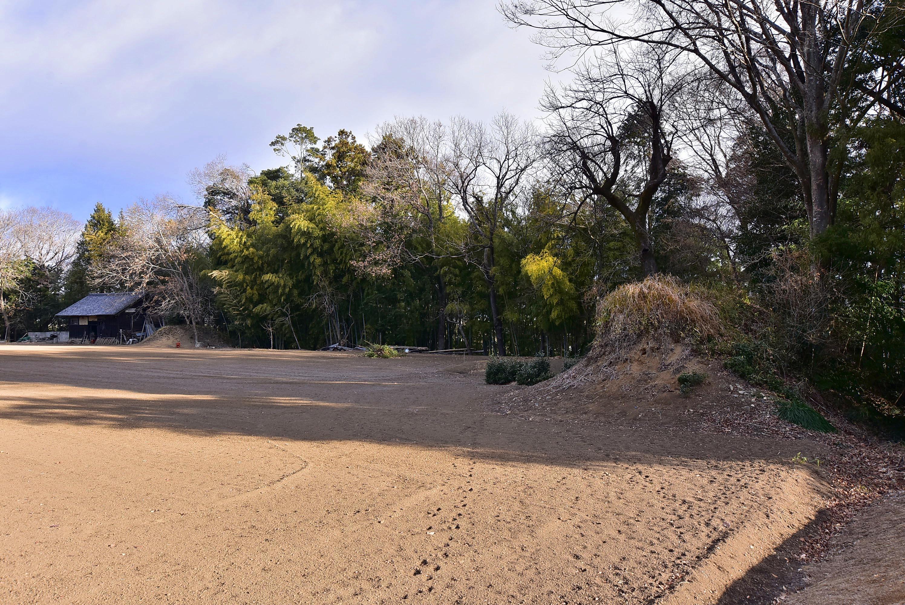 _DSC8316前小屋城点在する土塁の残欠