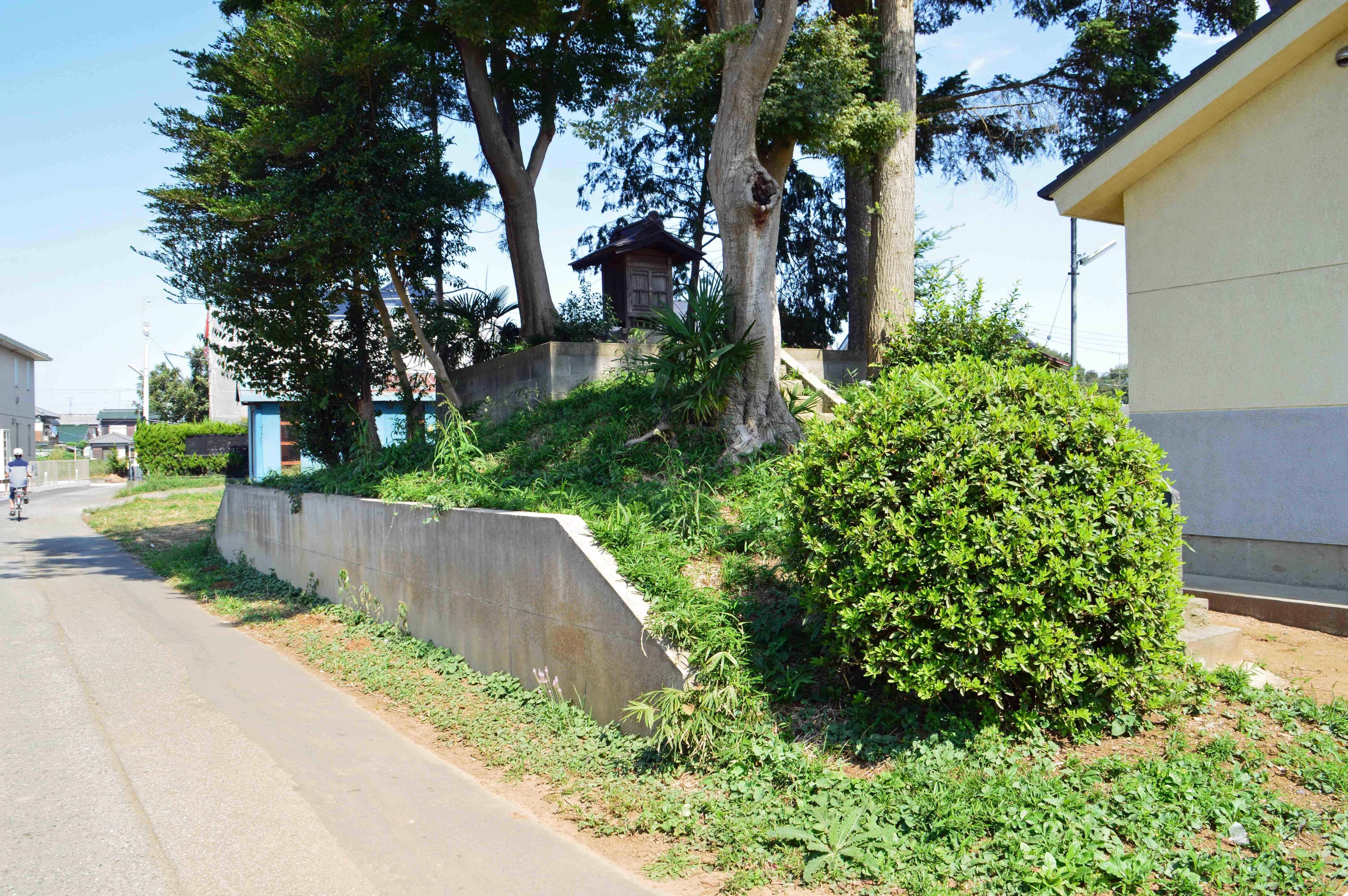 八幡神社裏の古又は土塁、物見か