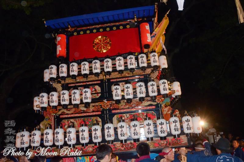 中の段屋台(だんじり) 祭り提灯