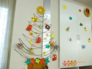 今年のクリスマスツリー完成です