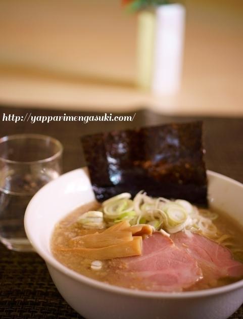 豚皮生姜醤油ラーメン
